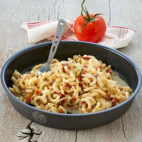 Trek'n'eat - Pasta med laks og urtesauce